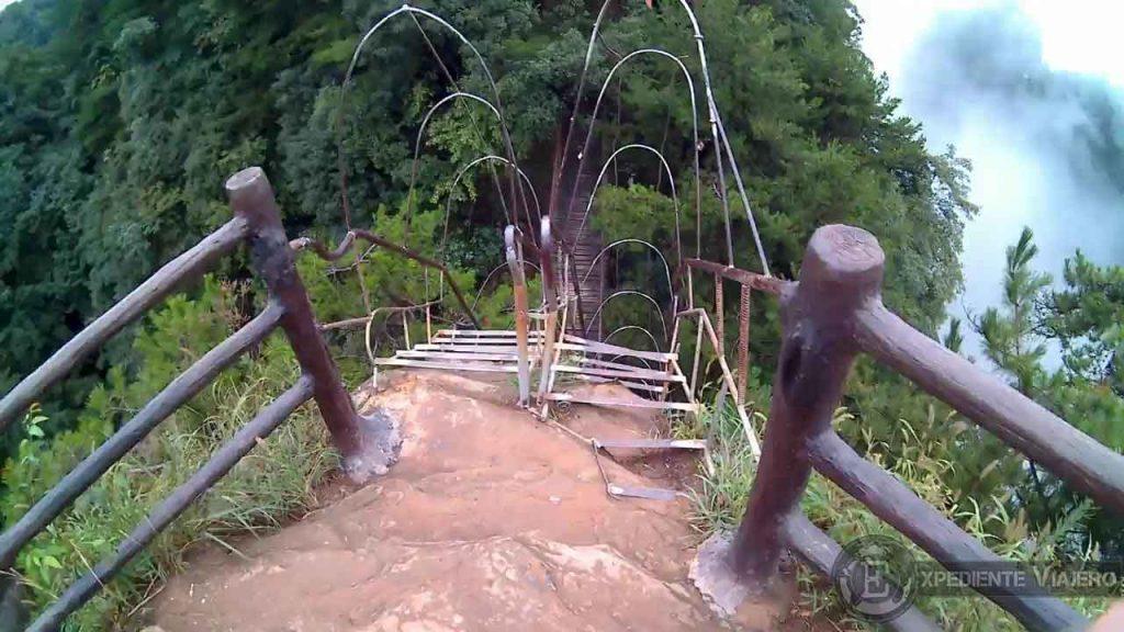 Escaleras tianbo mansion mirador yangjiajie