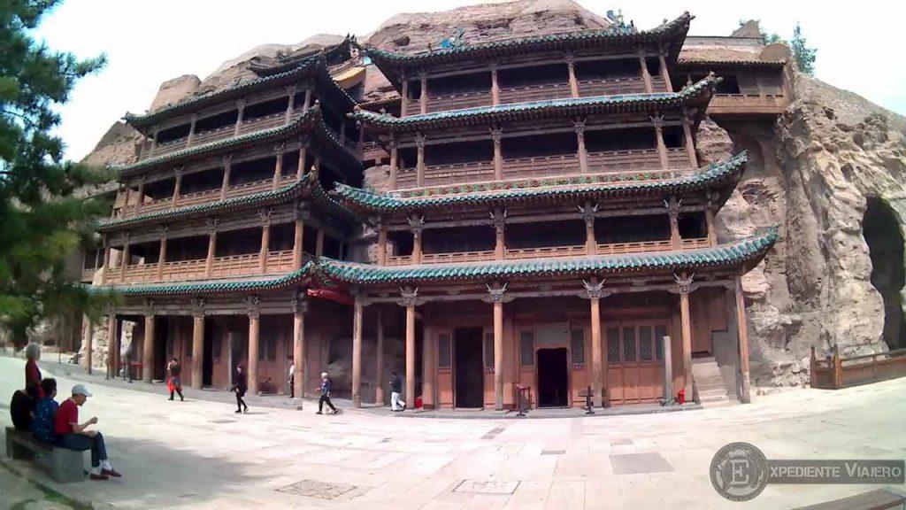 Exterior de las cuevas 5 y 6 en Yungang