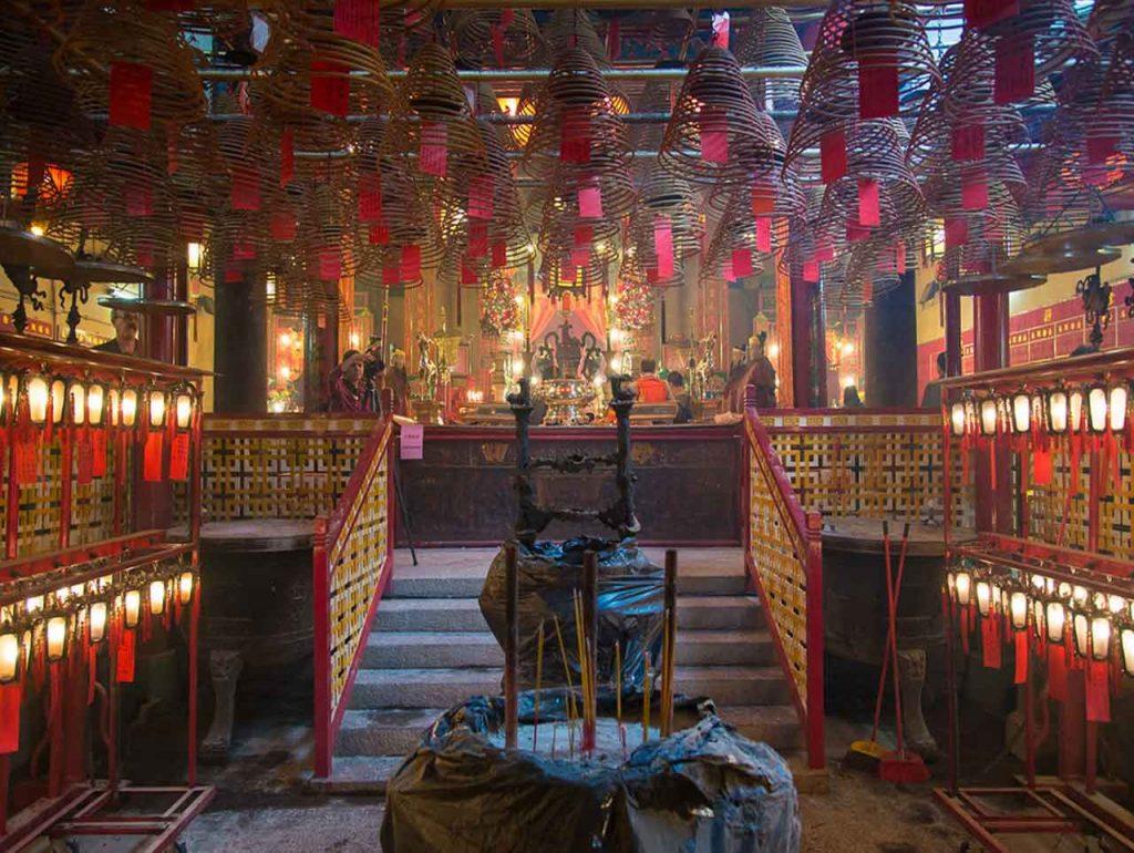 Interior de Man Mo Temple. Hong Kong