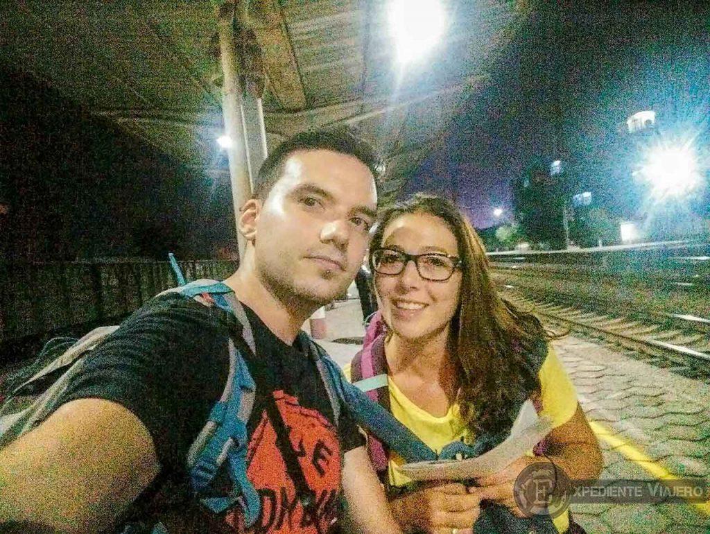 Andén de la estación de trenes de Pingyao