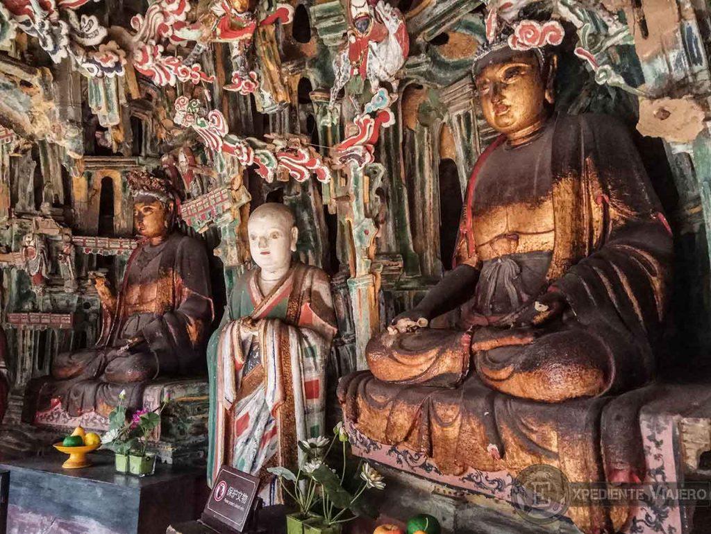 Esculturas Budistas, Confucianistas y Taoístas en el Templo Colgante de Datong