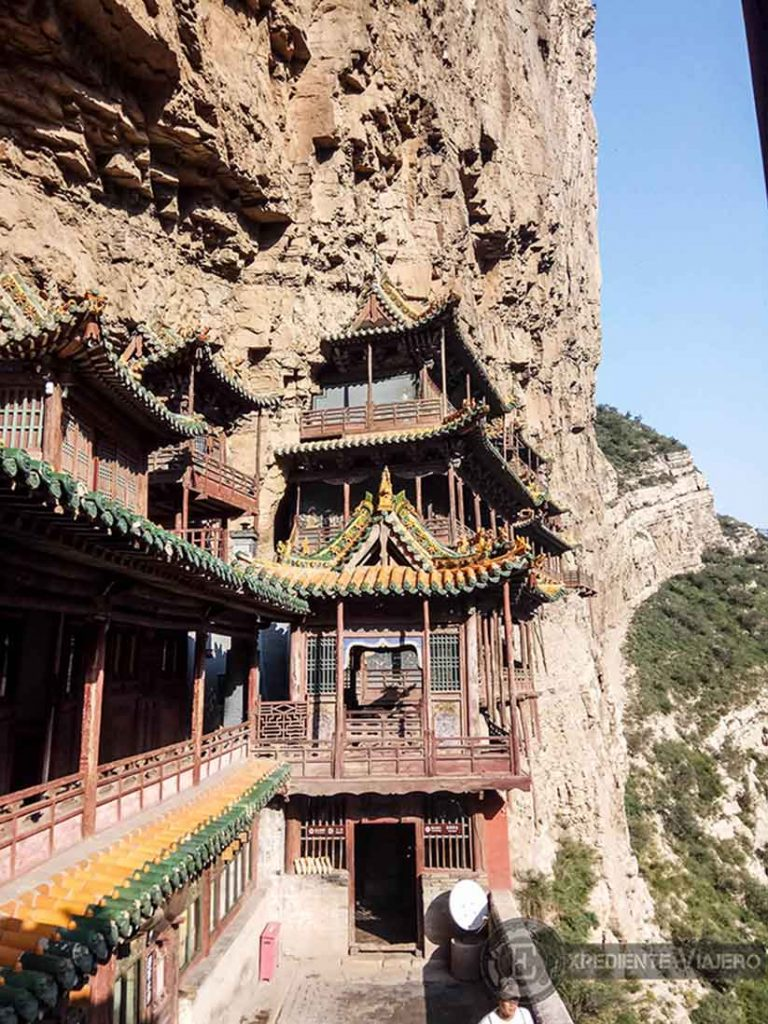 Vistas del Monasterio Colgante de Xuankong desde las alturas. Datong