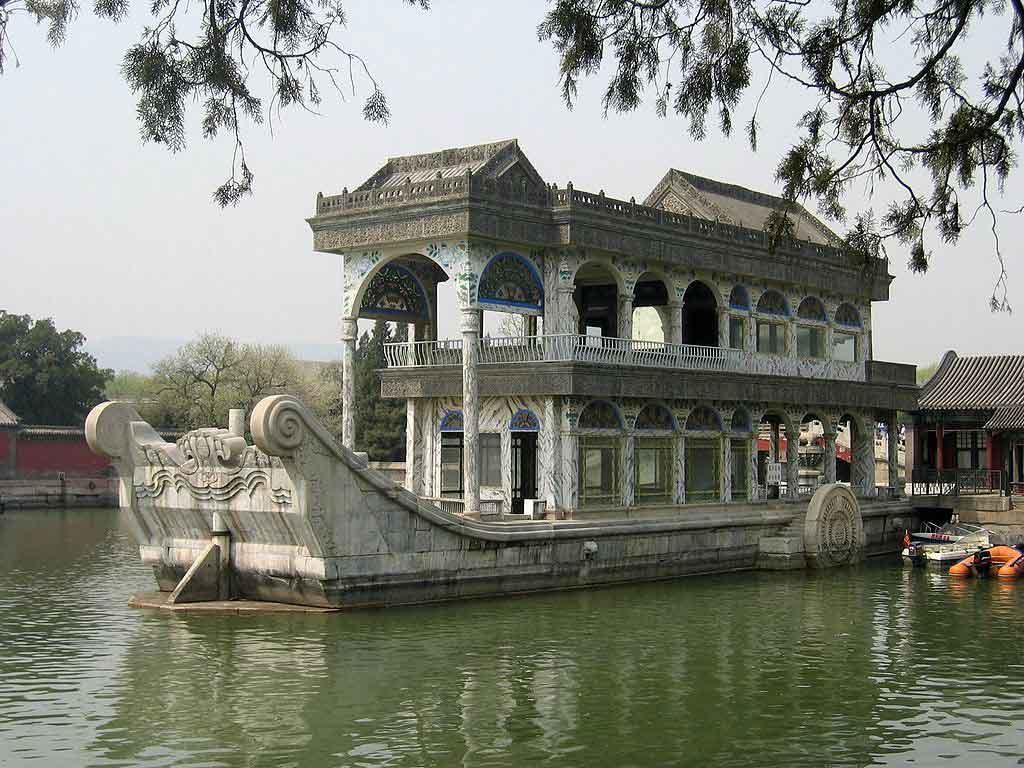 Barco de mármol de Cixi en el palacio de verano