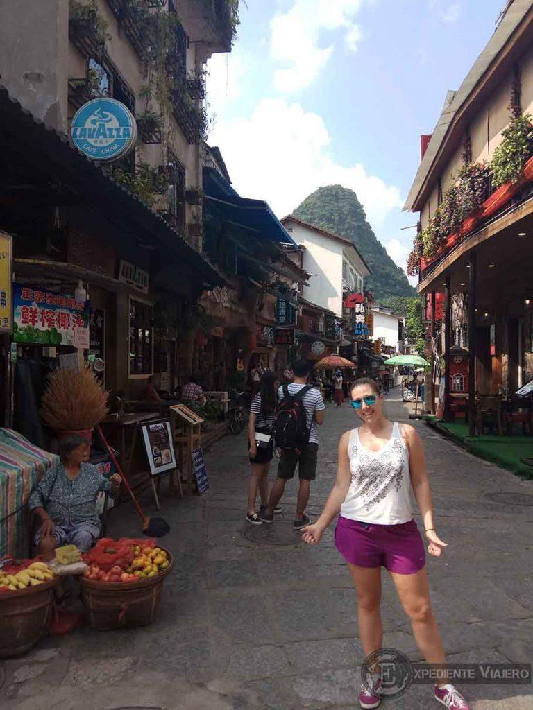 recorrer la west street yangshuo