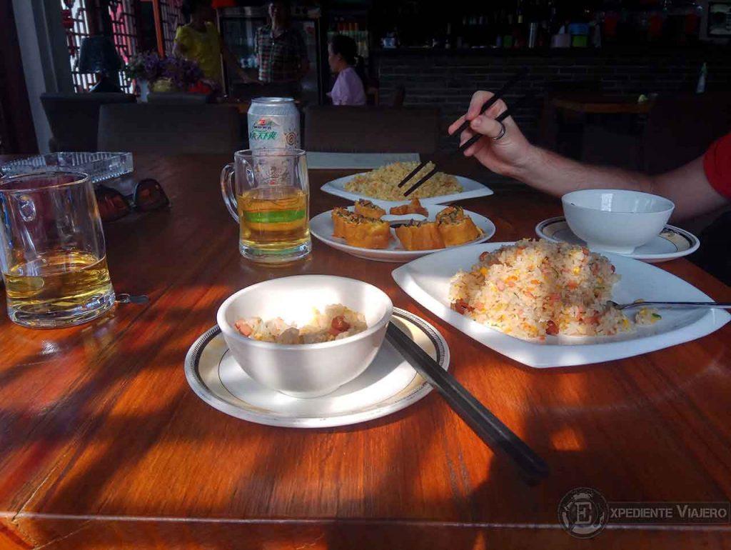 comer de ruta en bici por Yangshuo