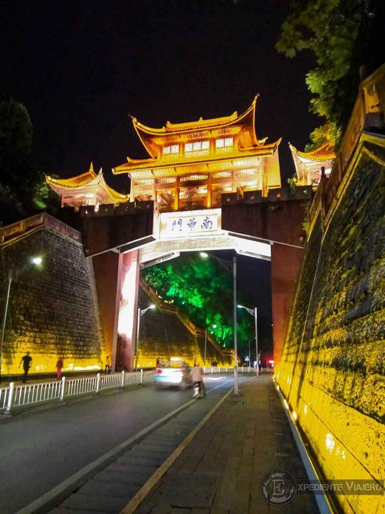 puerta de Fenghuang