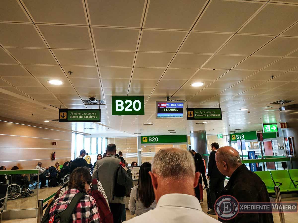 Aeropuerto de Madrid, Turkish airlines