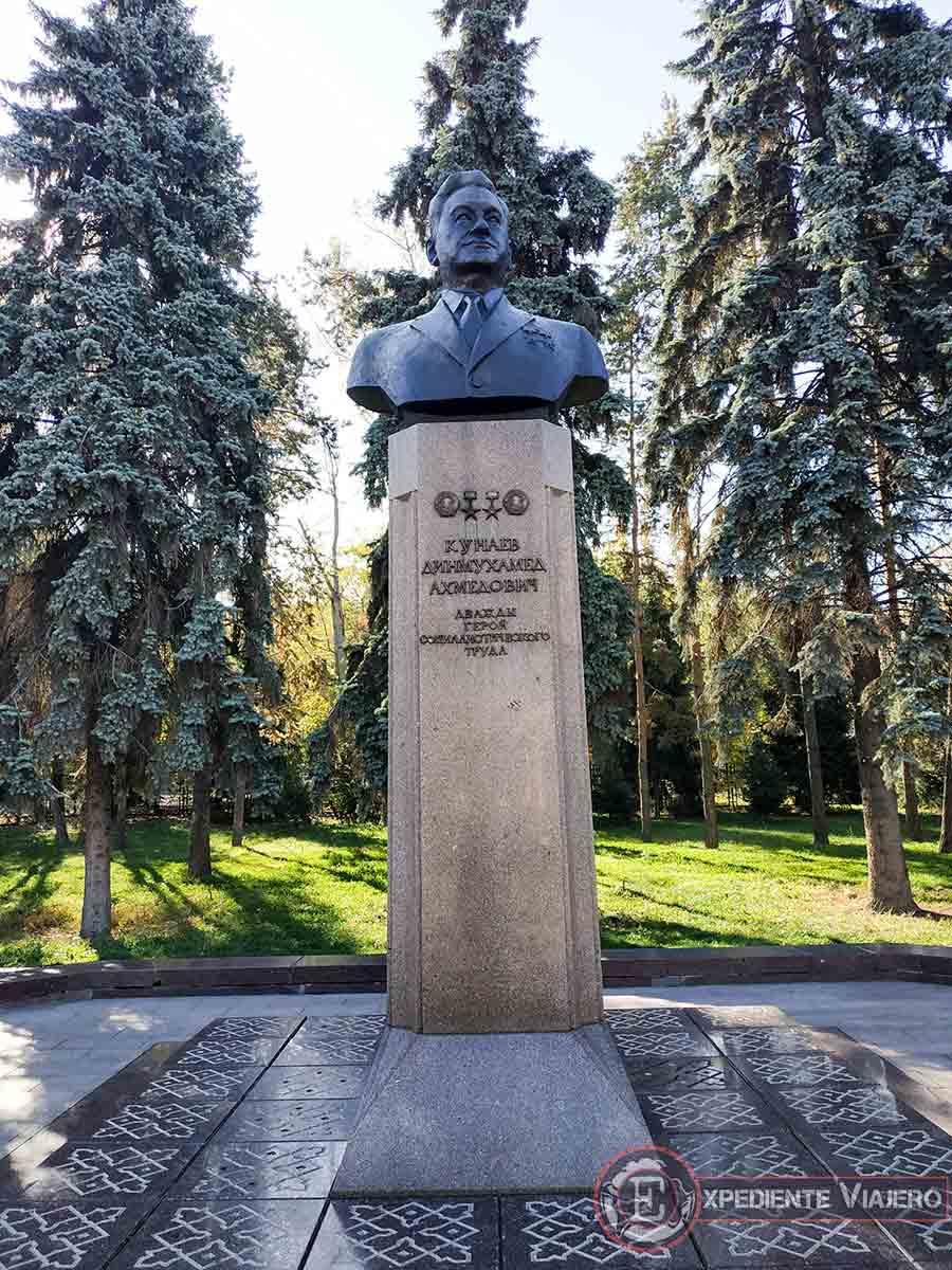 Memorial en el parque Kunaev