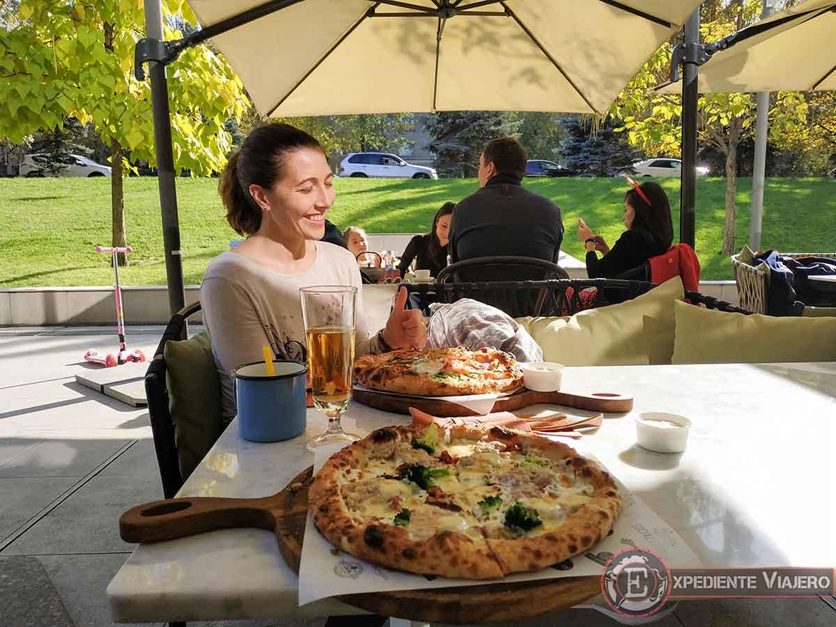Comiendo en Almaty
