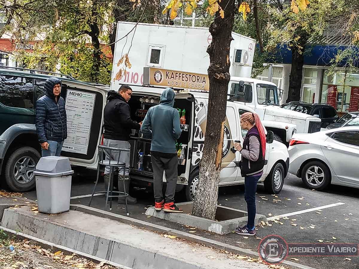 Negocio de furgoneta-cafetera en Almaty