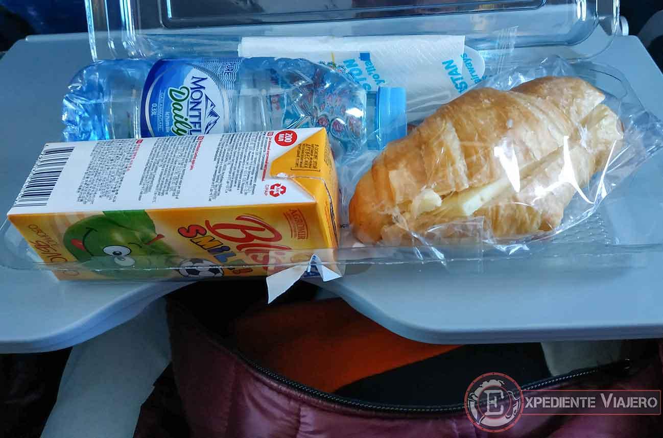 Comida en el avión de Uzbekistan Airways