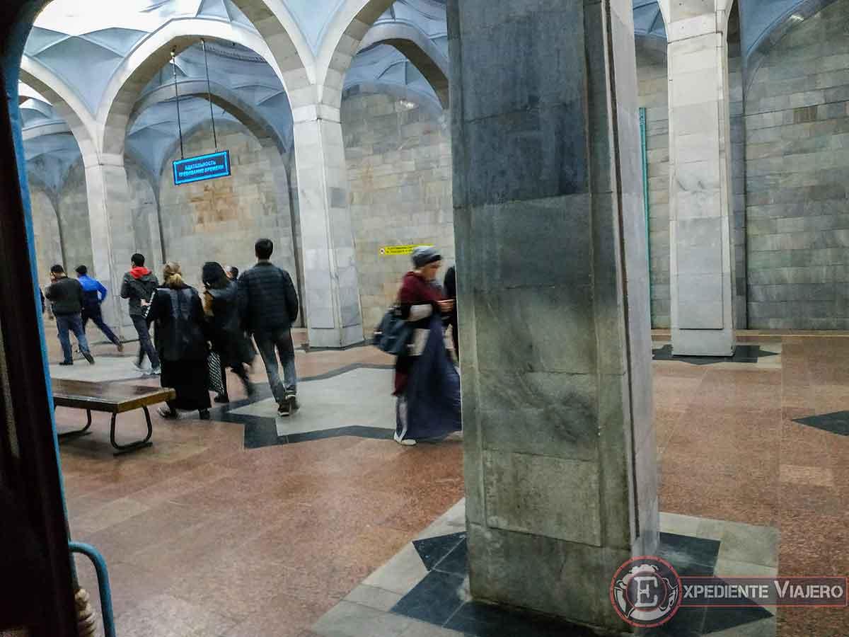 Entender las estaciones de metro de Tashkent