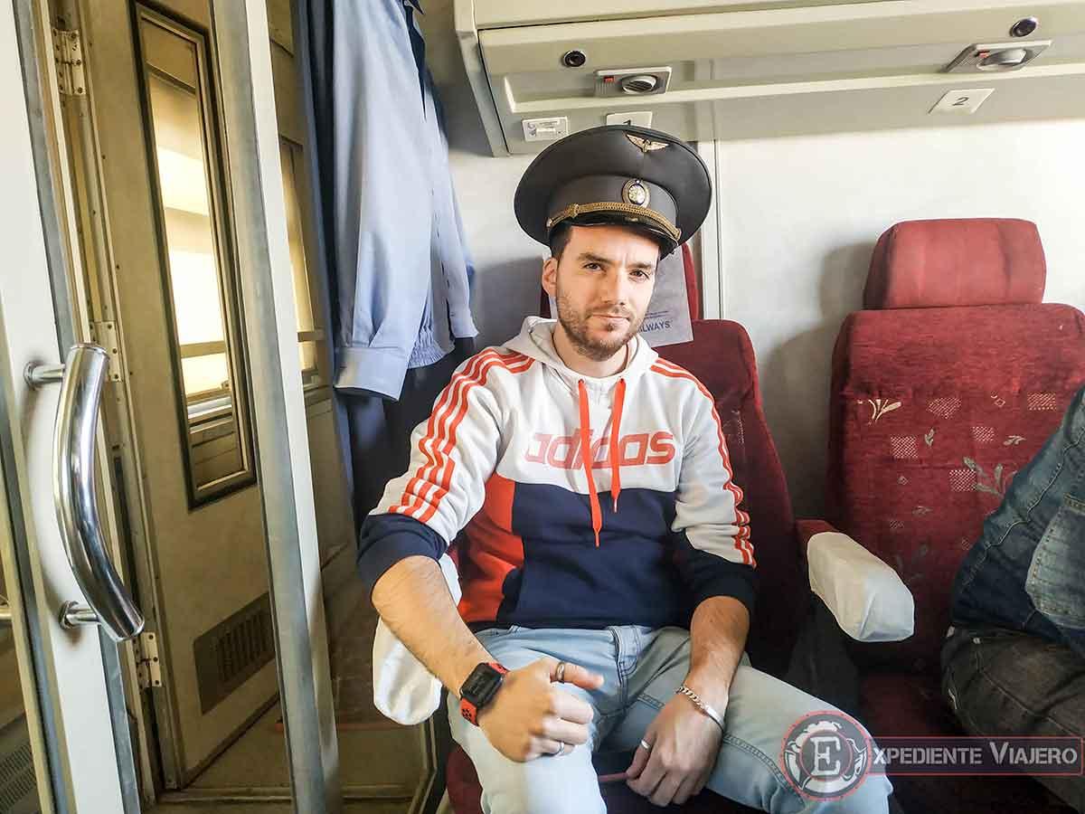 Con el sombrero uzbeko puesto