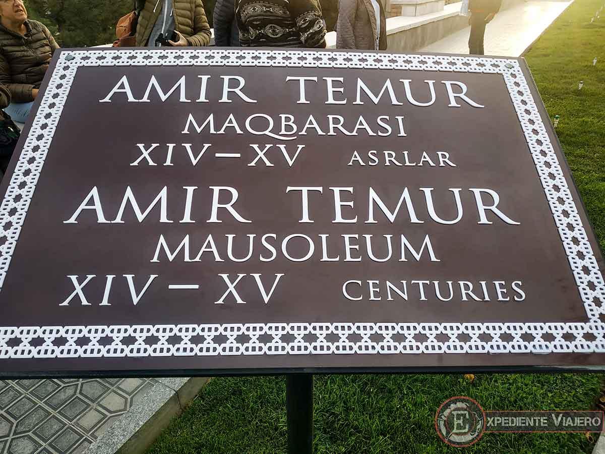 Placa del mausoleo de Tamerlán