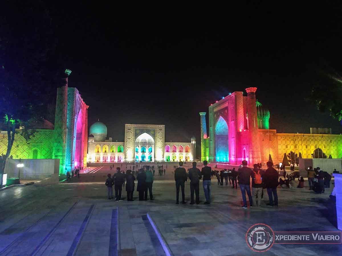 Show de luces y sonido en el Registán