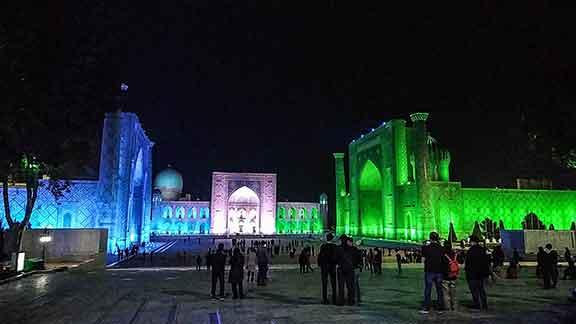 Juego de luces en el Registán