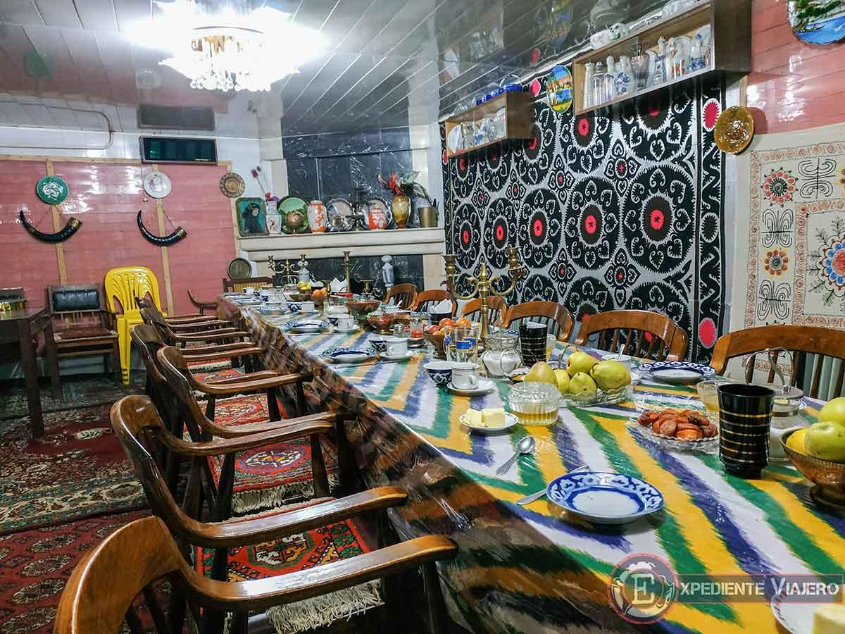 Salón del desayuno del Furkat Guest House