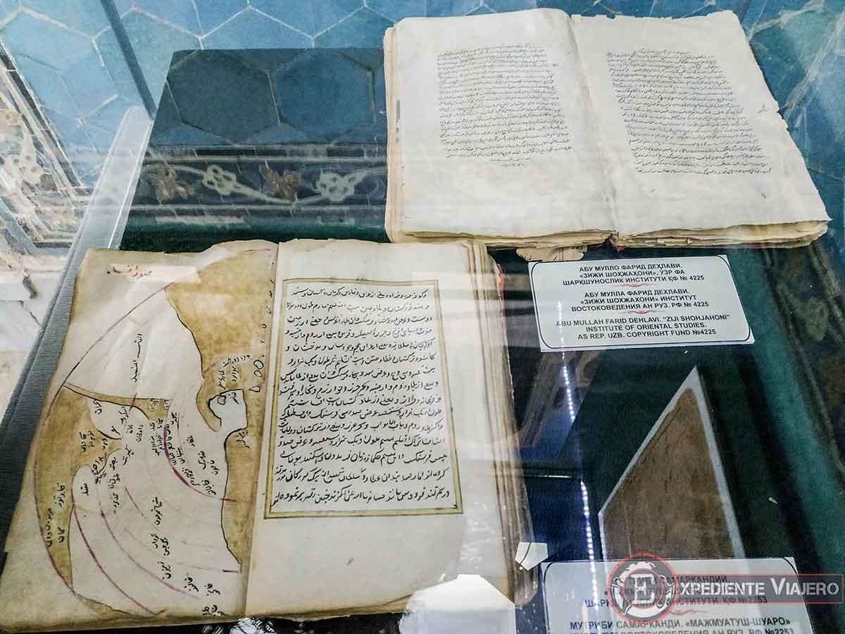 libros de astronomía en la madrasa Ulugh Beg