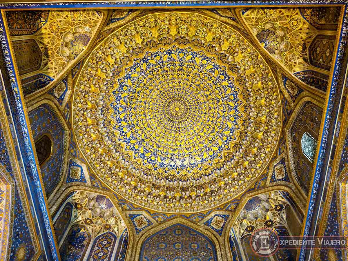Techo de la mezquita Tillya-Kori