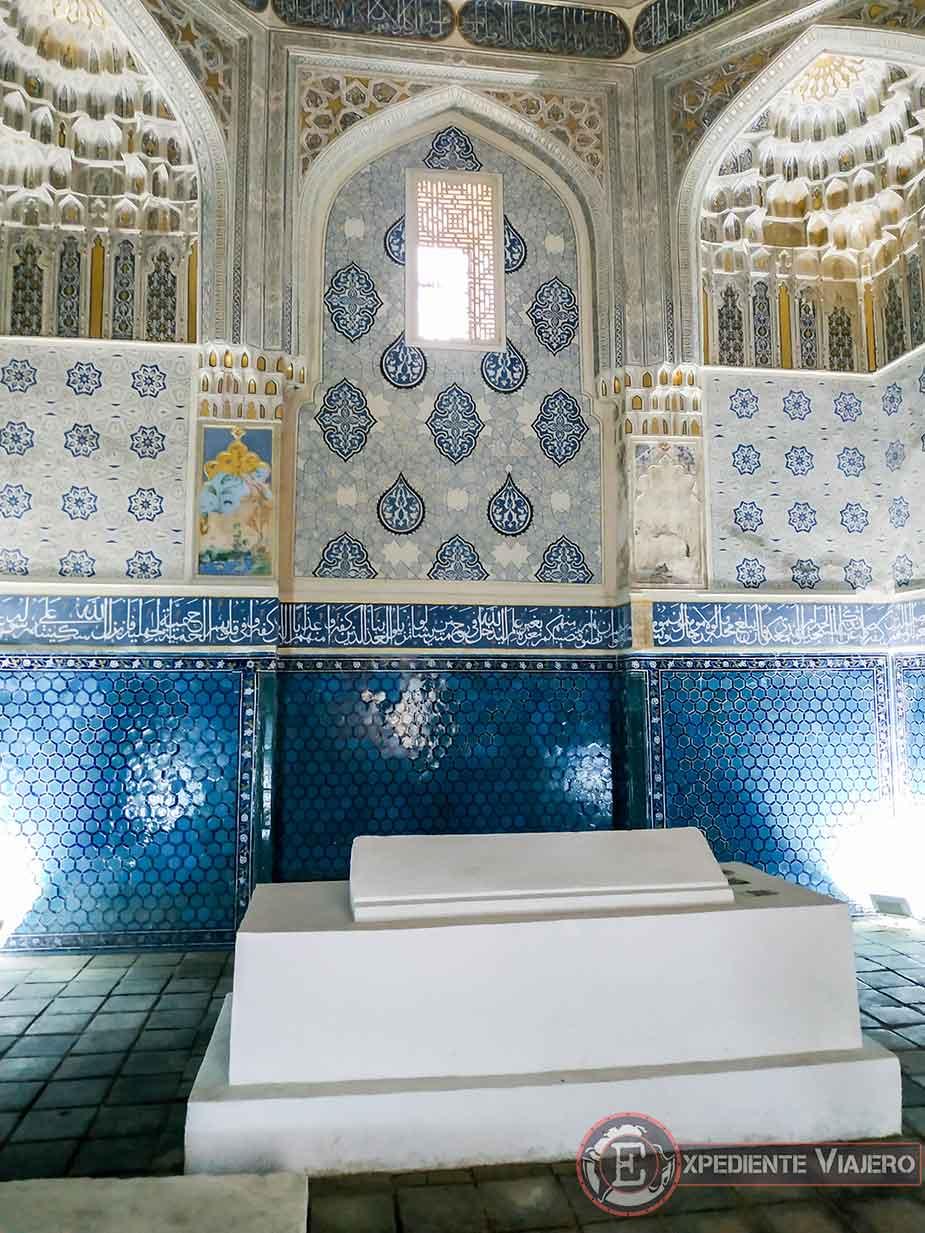 Mausoleo Shirin Beka Oka
