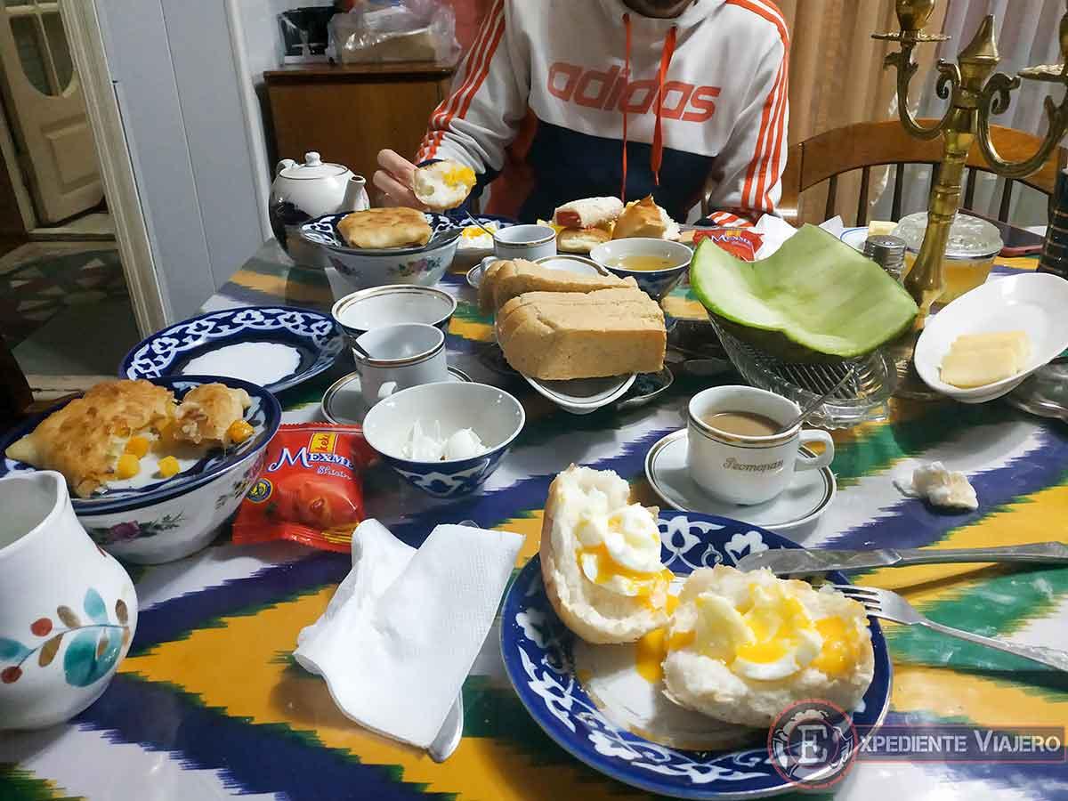 Desayuno en Samarcanda