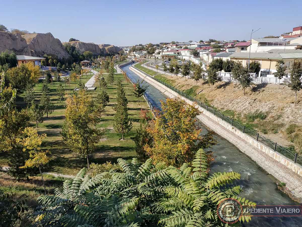 Tumba de Daniel junto al río Siyob