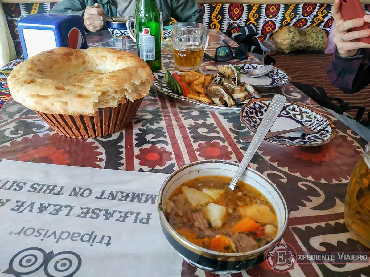 Comida uzbeka
