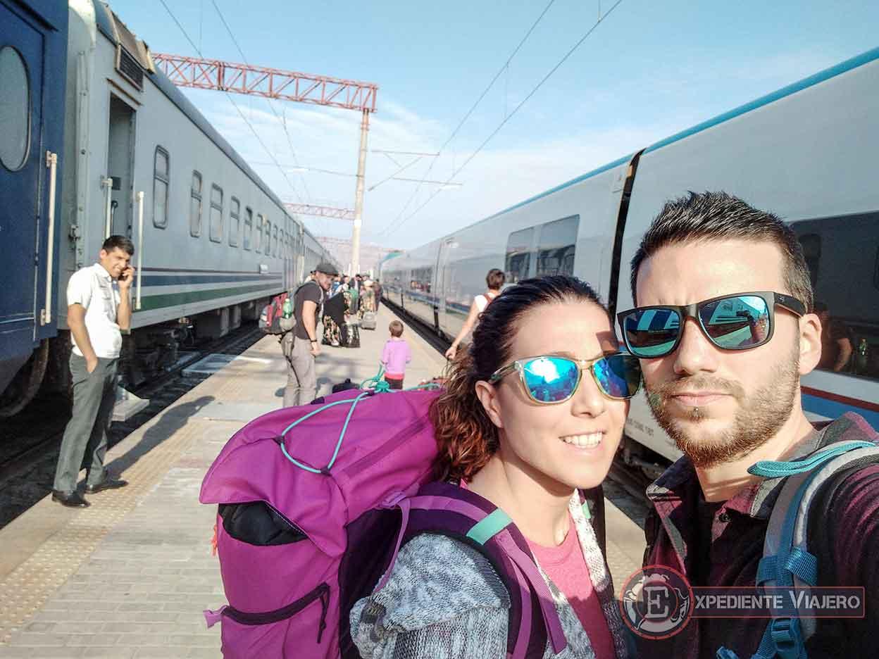 Llegada a la estación de tren de Bujará