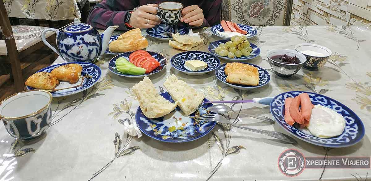 Desayuno del Amir-Yaxio Hotel