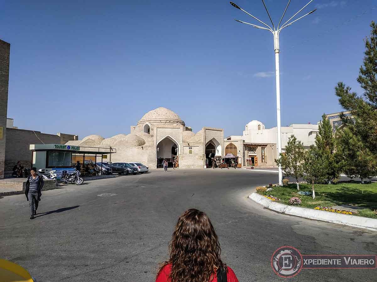 Entrada del bazar Taqi-Telpak Furushon