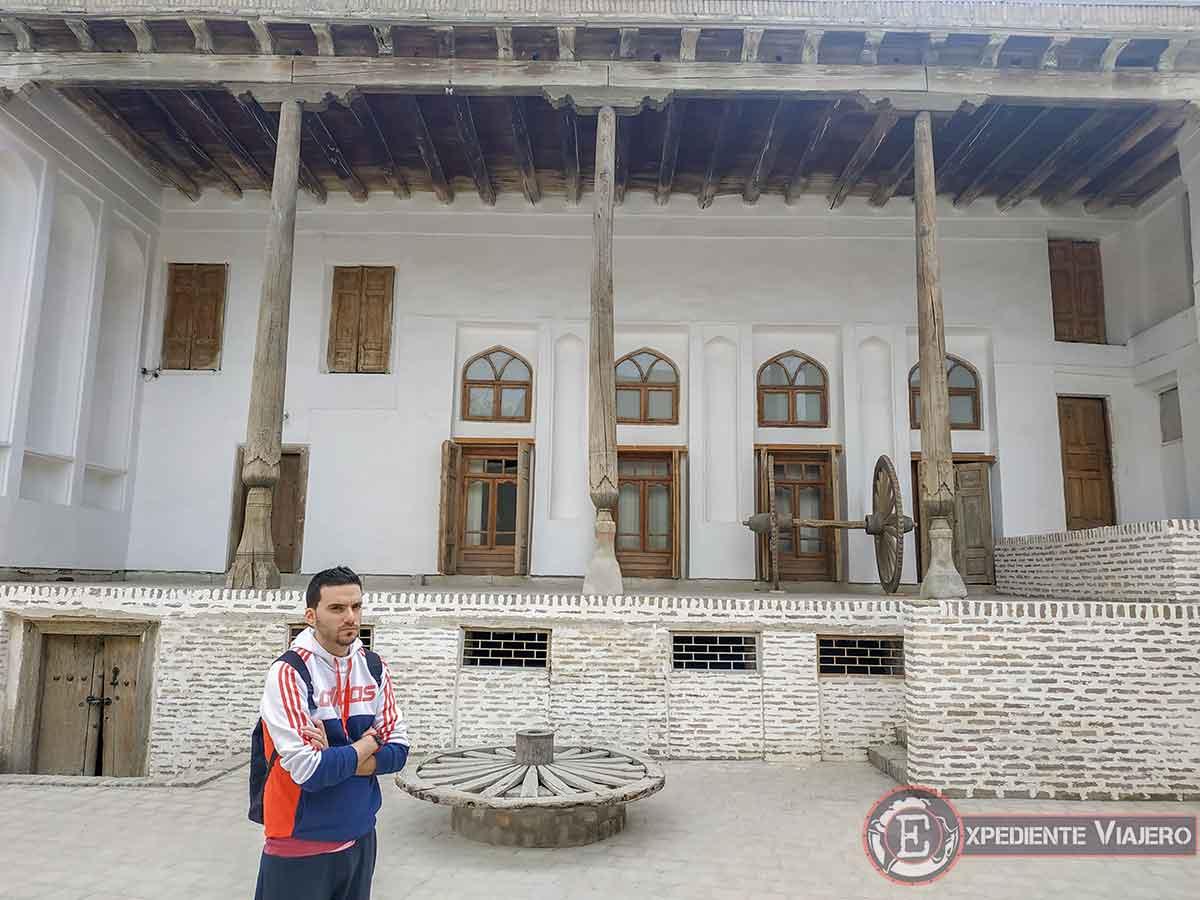 Patio interior de la casa de Fayzulla Khojaev
