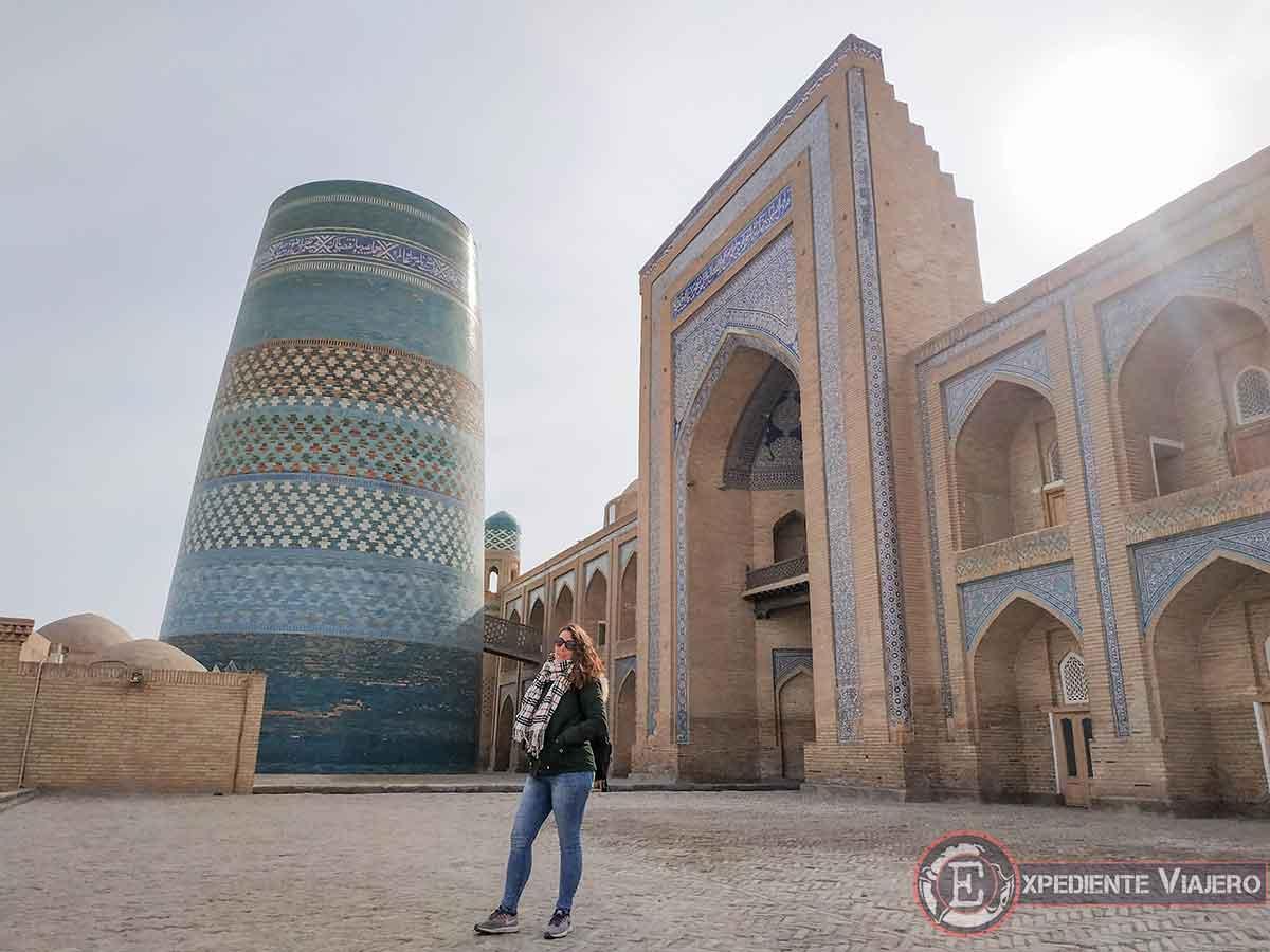 Minarete Kalta y madrasa