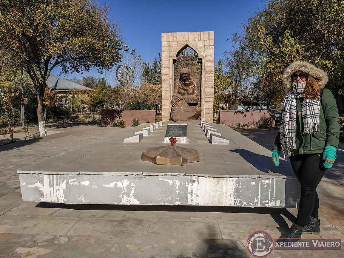 Skorbyashchaya mat, memorial de guerra