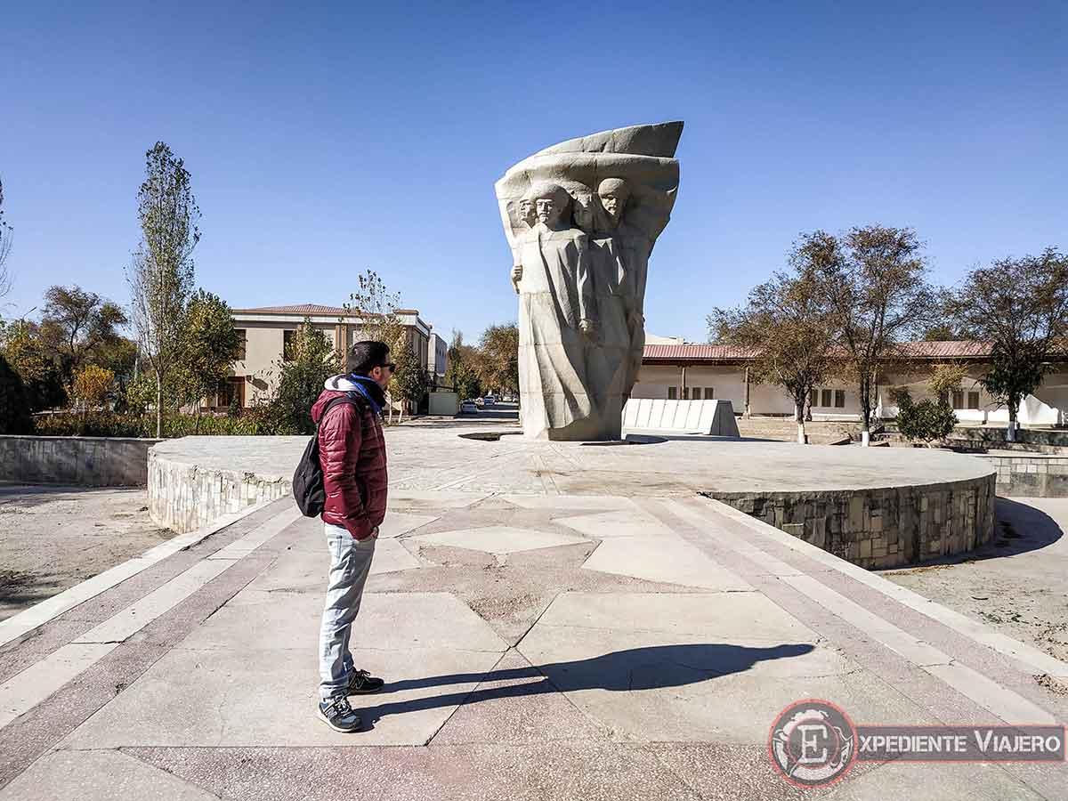 Memorialnyy park en Jiva
