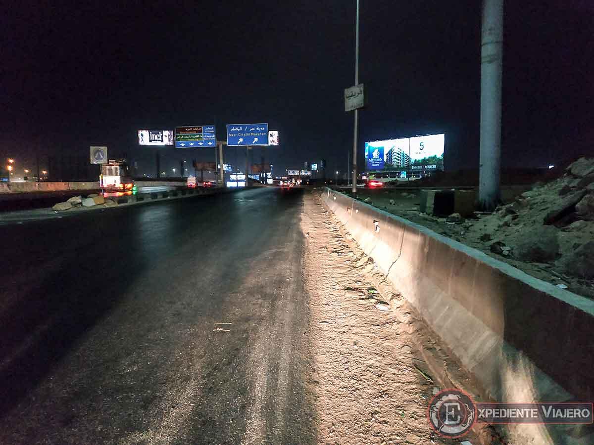 """""""Tirados"""" en la autopista de El Cairo"""