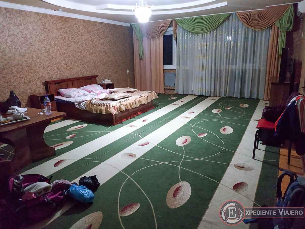Habitación del Art Hotel en Nukus