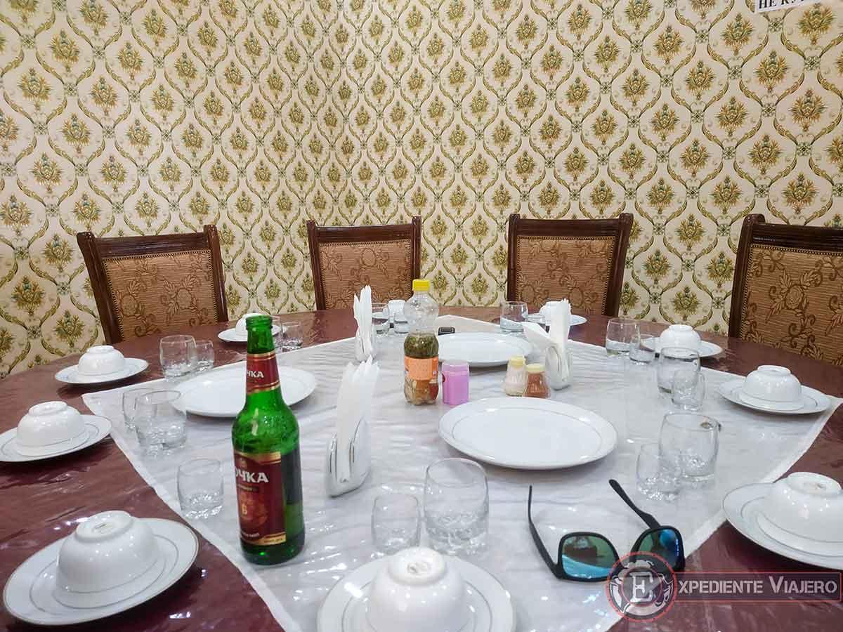 Restaurante de carretera en Uzbekistán