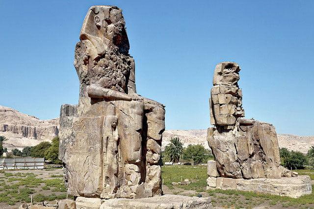 Los Colosos de Memnon
