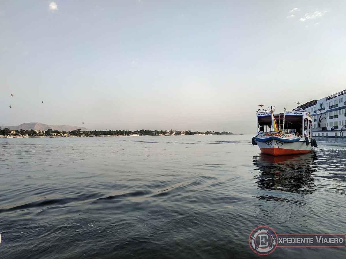 Barca para llegar al Valle de los Reyes