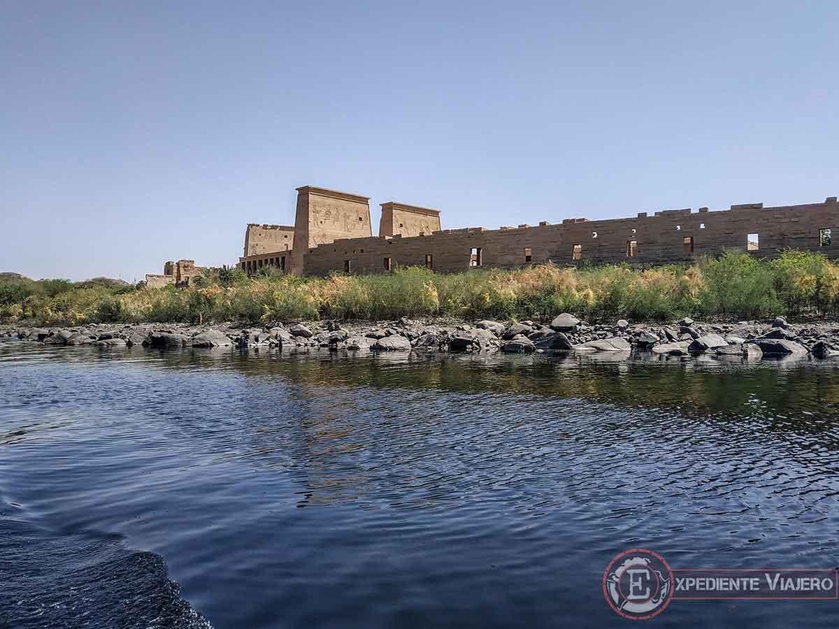 Vistas del Templo de Phliae desde el Nilo