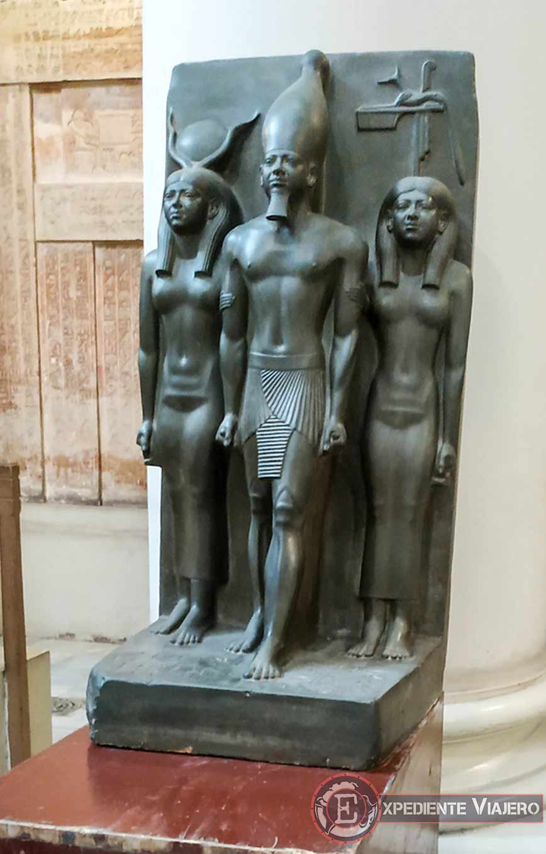 Triada de Micerino en el Museo de El Cairo