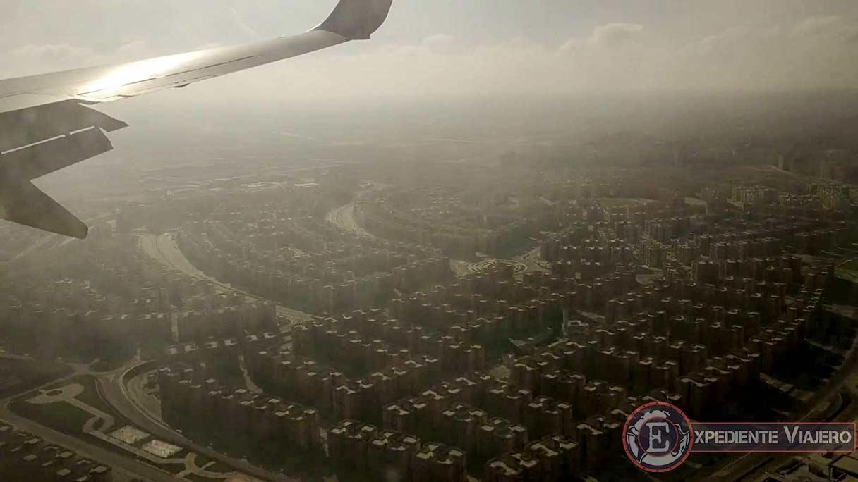 Sobrevolando El Cairo, en el vuelo desde Aswan