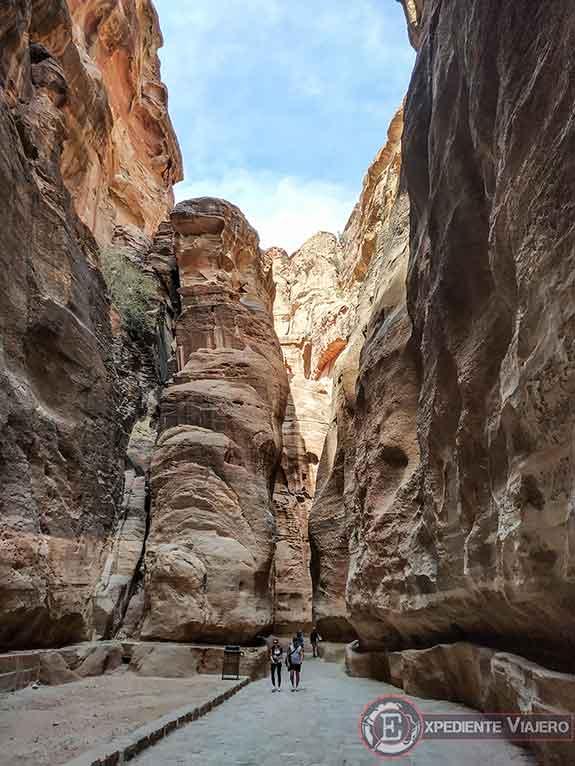 Canalones de agua del Siq en Petra