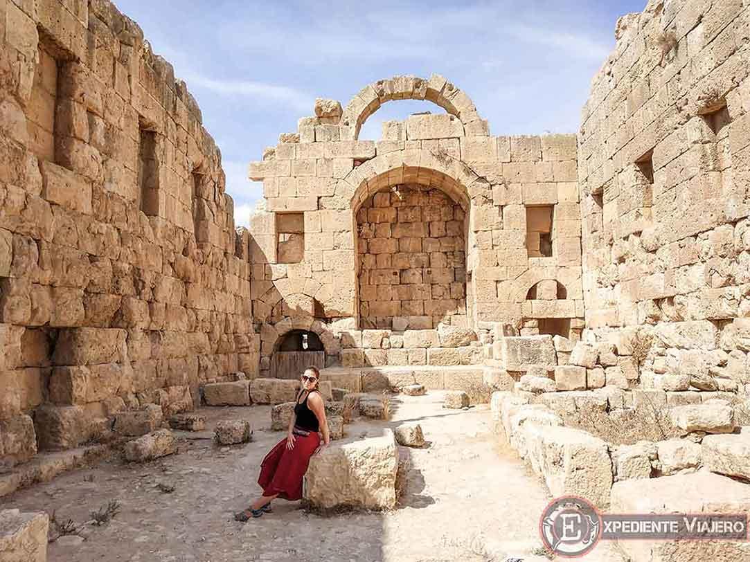 Interior del Templo de Artemisa de Jerash