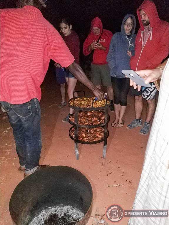 Cena en el campamento beduino del desierto de Wadi Rum