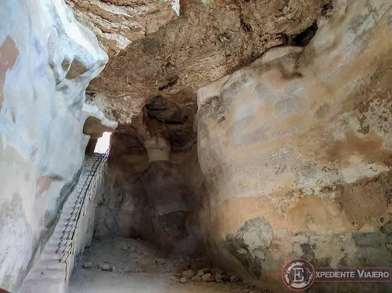 Cisterna sur al visitar fortaleza de Masada en Israel