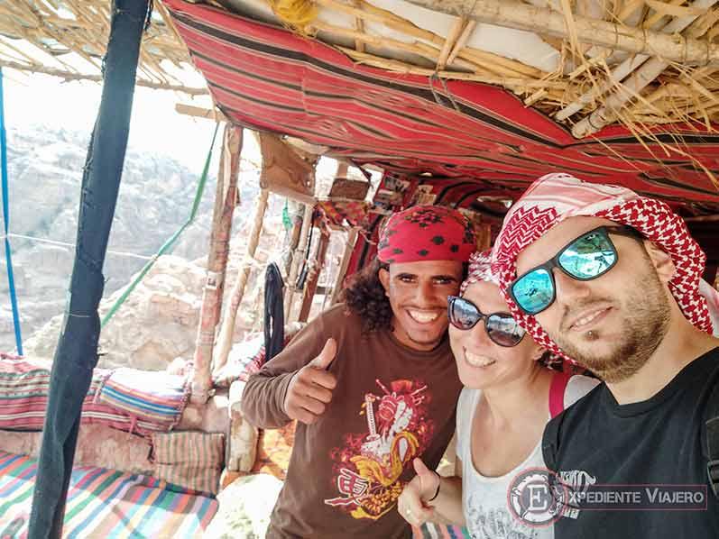 Hospitalidad beduina de camino al mejor mirador del Tesoro de Petra
