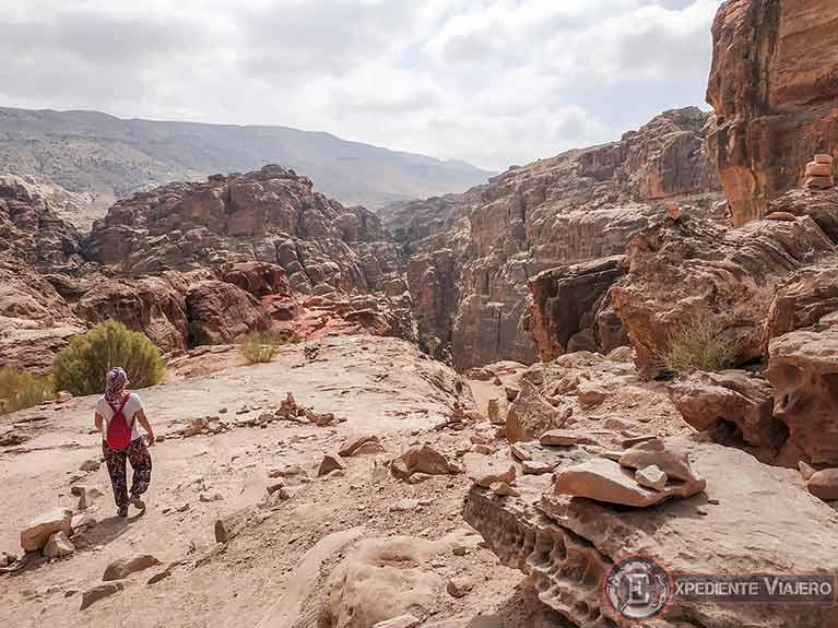 Llegando al mejor mirador del Tesoro de Petra