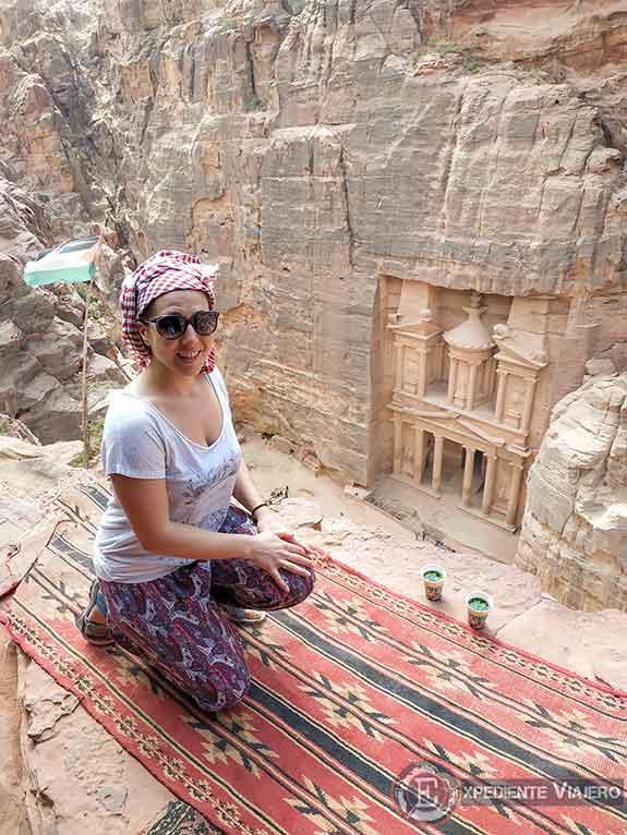 Tomando té en el mejor mirador del Tesoro de Petra