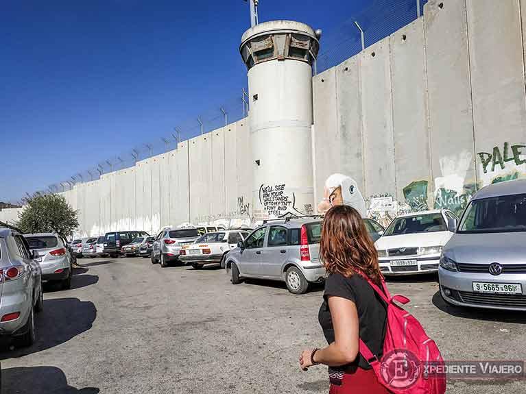 Grafitis en el muro de Belén Checkpoint 300